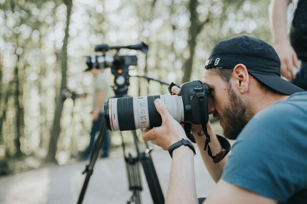 американский ищу фотографов единомышленников роль адвокат фильме